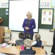 Алена Дмитриевна Сокольская посетила школу в Демьяново